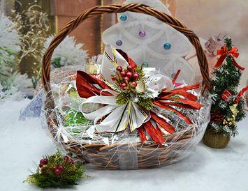"""Подарочная корзина на Новый год """"Годовой запас чая"""""""