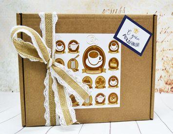 Подарок на День рождения с чаем и шоколадной пиццей