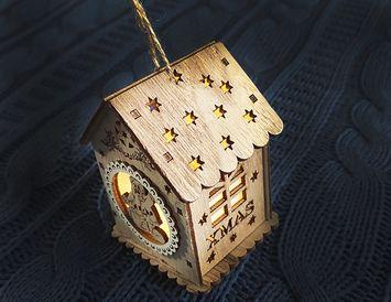 Подвеска на ёлку Деревянный домик