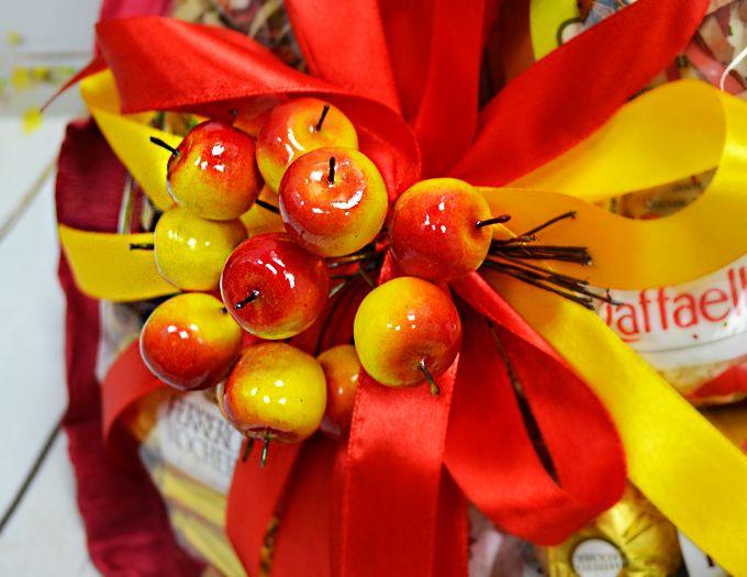 """Букет """"Яркая осень"""" из чая и сладостей - подарочный набор"""