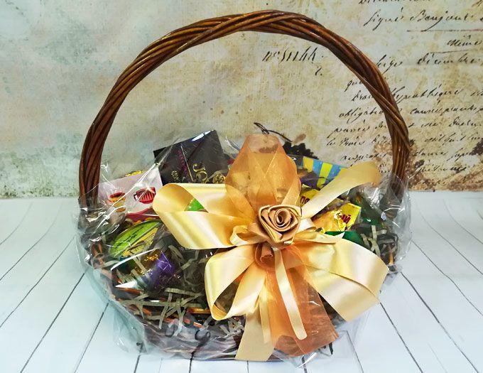 """Подарочная корзина с продуктами и чаем """"Вдохновение"""" с гравировкой"""