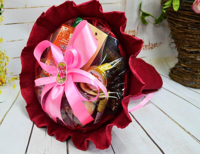 """Подарок на 8 марта букет из кофе и чая """"Аромат весны"""""""